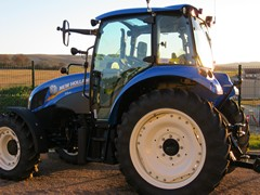 tracteur New Holland T4
